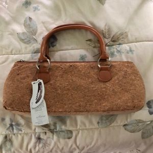 Prime wear wine clutch - insulated cork purse.